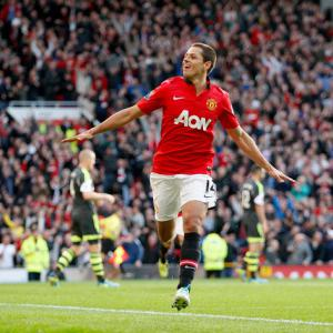 Hernandez wins it for United