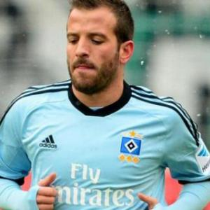 Hamburg brush off Hanover without Van der Vaart
