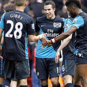 Van Persie thanks Arsenal team-mates
