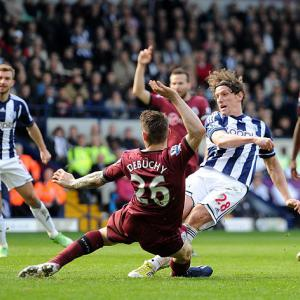 Baggies peg back Magpies