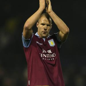 'Players back Paul Lambert', says Aston Villa Captain Ron Vlaar