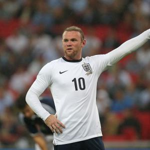 Rooney posts picture of head injury