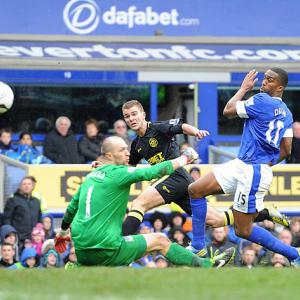 Latics power into last four