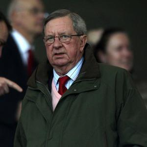 Arsenal chairman Peter Hill-Wood 'unaware' of possible takeover