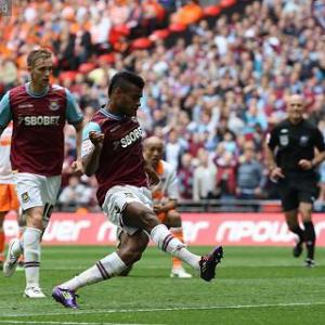 Blackpool 1-2 West Ham: Match Report