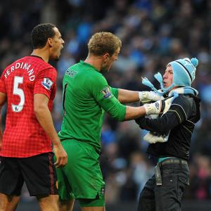 Man City goalkeeper Joe Hart calls for calm