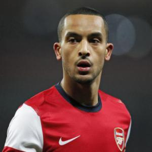 BREAKING NEWS: Theo Walcott Signs New Deal At Arsenal