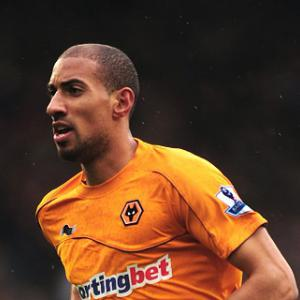 Henry signs new Wolves deal