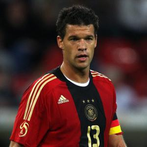 Bayer close in on Ballack - reports