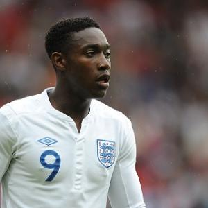 Welbeck snatches draw for England