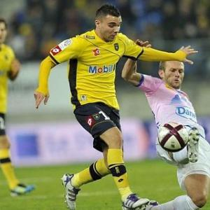Valencia to battle Arsenal for French star