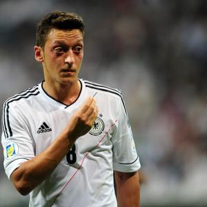 Ozil is next-level signing says defender Gibbs