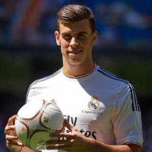Gareth Bale must earn his place, says Paul Clement
