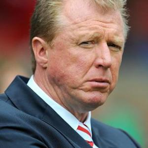 McClaren quits Forest post