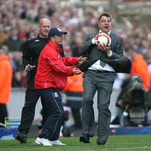 Allardyce wary of Pulis' Potters