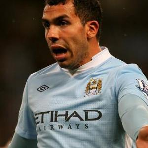 Inter make Tevez bid