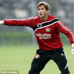 Manchester United fan Rene Adler added to shortlist to succeed Edwin van der Sar