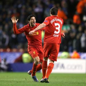 Enrique hails 'all-round striker' Suarez