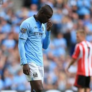 Balotelli staying at City says agent