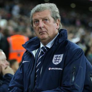 Rooney defends Hodgson over joke