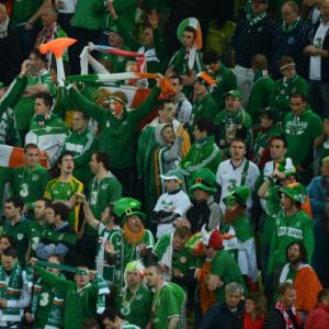 Divers search for missing Irish fan