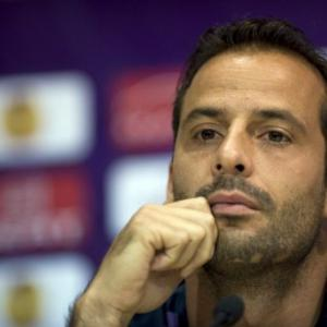 Veteran Giuly returns to Monaco