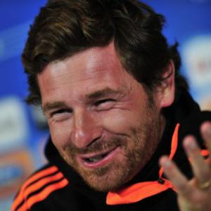 Villas-Boas weighs up Fernando Torres recall