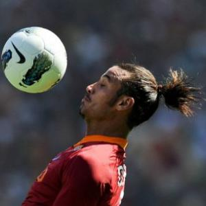 Enrique defends Osvaldo punishment