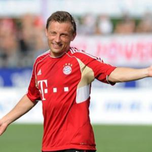 Olic puts more pressure on Bayern