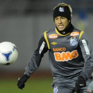 Neymar should stay in Brazil to 2014 - Ramalho
