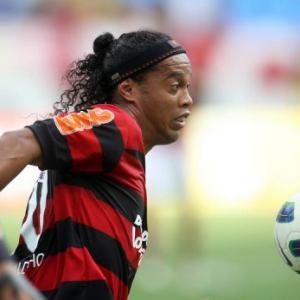 Ronaldinho threatens to quit over unpaid wages