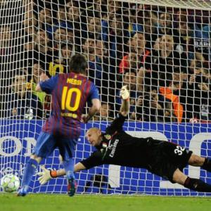 Messi reaches 50-goal landmark