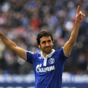 Raul rekindles Schalke fire