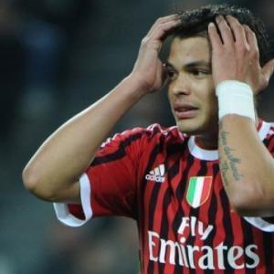 Silva staying with AC Milan as PSG break down