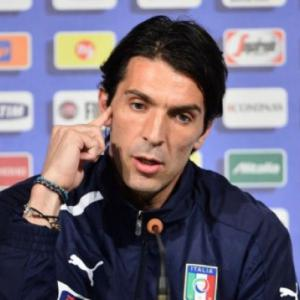 Buffon wary of setting the bar too high