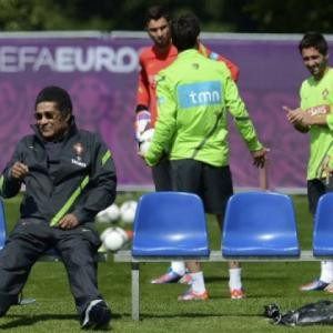 Portugal legend Eusebio sits out Euro semi