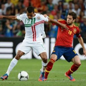 Barca strikes deal to sign Valencia's Alba