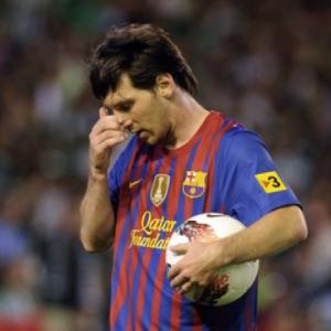 Messi injured for Hamburg friendly