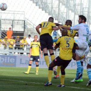 Gignac stars as Marseille stay perfect
