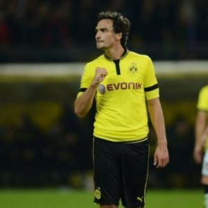 Dortmund sweat on Hummels, Gundogan