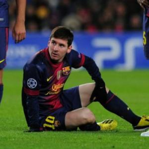 Barcelona star Lionel Messi in light training after injury scare