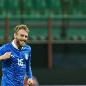 Unsettled De Rossi to make Roma return after ban