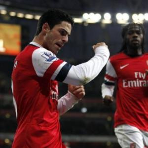 Arsenal stunned as Bradford win Cup shoot-out
