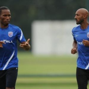 Former Chelsea striker Anelka set for QPR deal