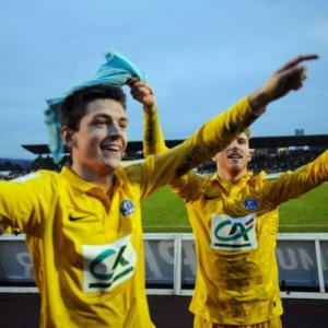 Cup holders Lyon knocked out by minnows Epinal
