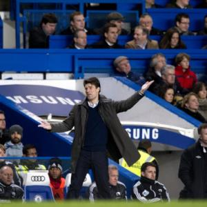Laudrup urges Swansea to attack Chelsea