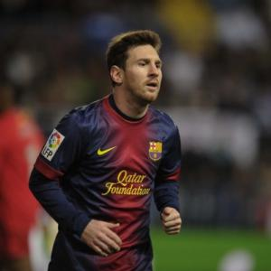 Lionel Messi extends Barcelona deal till 2018