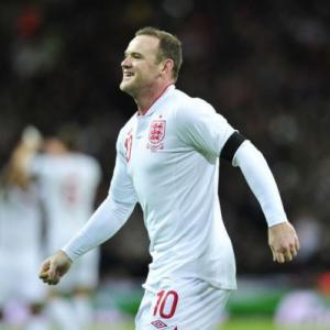 Rooney insists title race far from over
