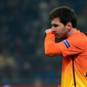 Messi misses training due to fever - Barcelona announce