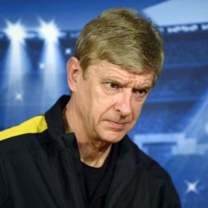 Arsenals Wenger turns to bench against Bayern